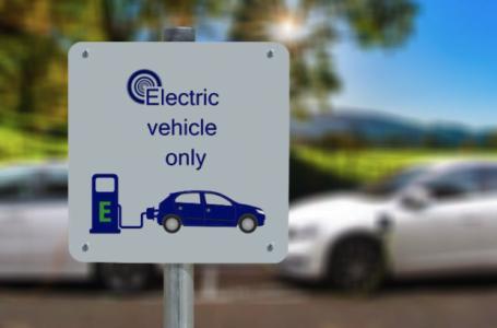 Vehiculele electrice vor înlocui actualele mașini în maxim 20 de ani